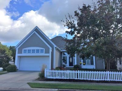 Spring Lake Condo/Townhouse For Sale: 17891 Woodcreek Lane