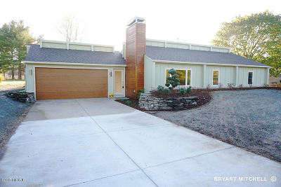 Byron Center Single Family Home For Sale: 2760 64th Street SW
