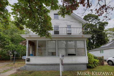 Grand Rapids Multi Family Home For Sale: 843 Baxter Street SE
