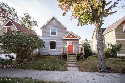 Holland Single Family Home For Sale: 32 W 18th Street