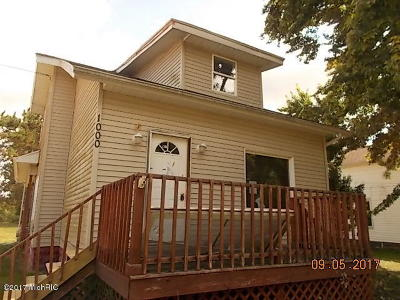 St. Joseph County Single Family Home For Sale: 1000 S Constantine