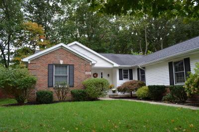 Single Family Home For Sale: 2644 Danton Drive SW