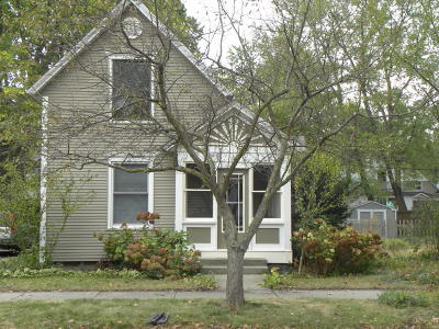 Holland MI Single Family Home For Sale: $109,900
