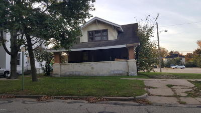 Niles Single Family Home For Sale: 914 Cedar Street