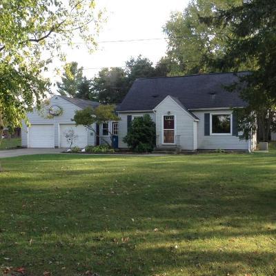 Wayland MI Single Family Home For Sale: $141,900