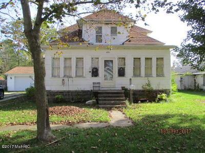 Bellevue Single Family Home For Sale: 426 S Webster
