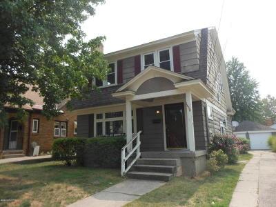 Single Family Home Active Contingent: 1430 Johnston Street SE