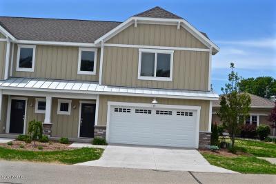Spring Lake MI Condo/Townhouse For Sale: $259,900