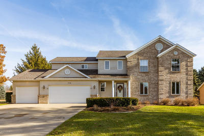 Hudsonville Single Family Home For Sale: 7746 Hidden Lake Drive