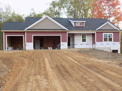 Van Buren County Single Family Home For Sale: 70320 Copper Boulevard