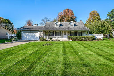Single Family Home For Sale: 8749 Shadowbrook