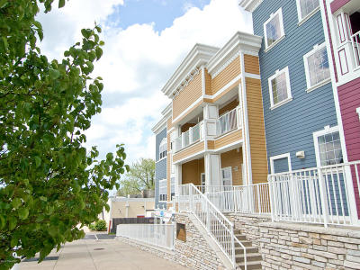 Condo/Townhouse For Sale: 235 Whittaker #42
