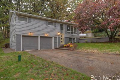 Grand Rapids, East Grand Rapids Single Family Home For Sale: 1817 Garfield NW