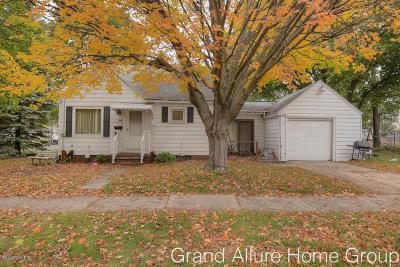 Wyoming Single Family Home For Sale: 4560 Walton Avenue SW