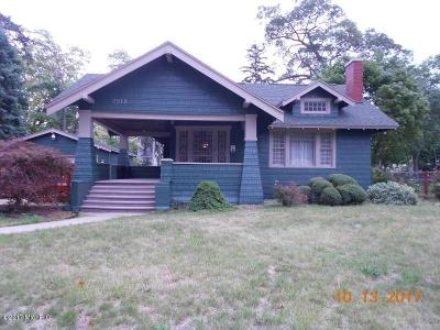 Muskegon Heights Single Family Home For Sale: 2212 Peck Street