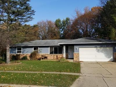 Portage Single Family Home For Sale: 2412 Quincy Avenue