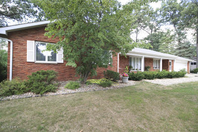 Portage Single Family Home For Sale: 7642 Angling Road