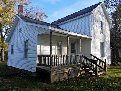 Hillsdale MI Single Family Home For Sale: $52,500