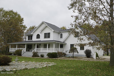 Van Buren County Single Family Home For Sale: 31222 52nd Avenue
