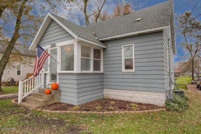 Zeeland Single Family Home For Sale: 6381 Adams Street