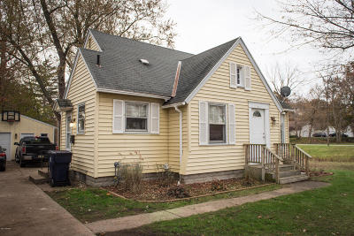Holland MI Single Family Home For Sale: $136,900