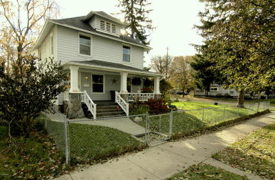 Grand Rapids MI Single Family Home For Sale: $239,900