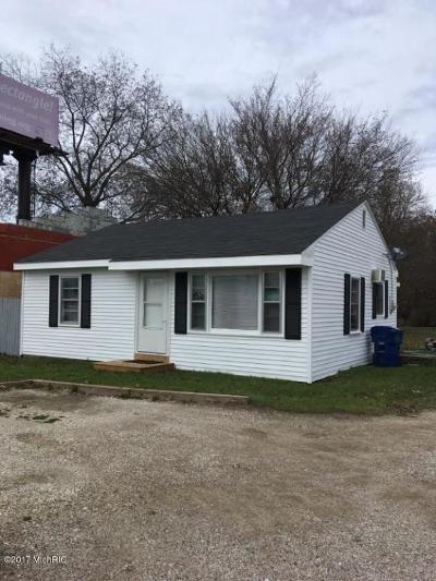 Benton Harbor Single Family Home For Sale: 1185 E Napier Avenue