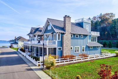 Allegan County Single Family Home For Sale: 2398 Interlake Walk