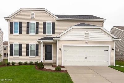Middleville Single Family Home For Sale: 927 View Pointe Drive