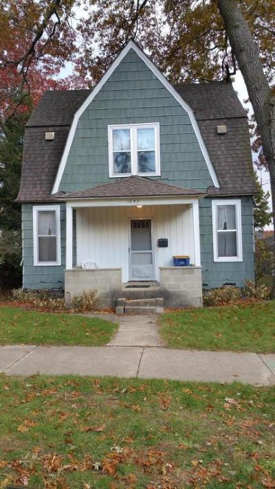 Grand Rapids MI Single Family Home For Sale: $59,900
