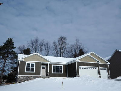 Muskegon Single Family Home For Sale: 858 Cedar Woods Trail