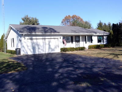 St. Joseph County Single Family Home For Sale: 25888 Fawn River Road