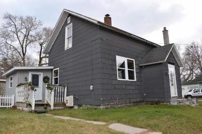 Manistee County Single Family Home For Sale: 605 Fairview Av