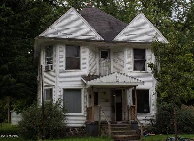 Dowagiac Multi Family Home For Sale: 109 Pokagon