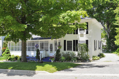 Saugatuck Single Family Home For Sale: 236 Mary Street
