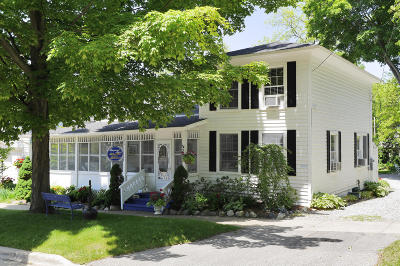 Saugatuck Single Family Home For Sale: 236-239 Mary Street