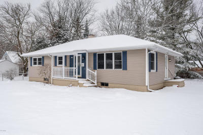 Grand Haven Single Family Home For Sale: 403 Orchard Avenue