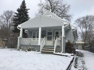 Grand Rapids Single Family Home For Sale: 1723 7th Street NW