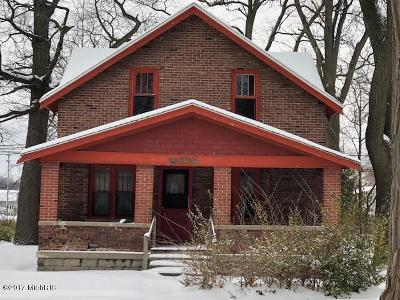 Muskegon County, Newaygo County, Oceana County, Ottawa County Single Family Home For Sale: 2600 9th Street