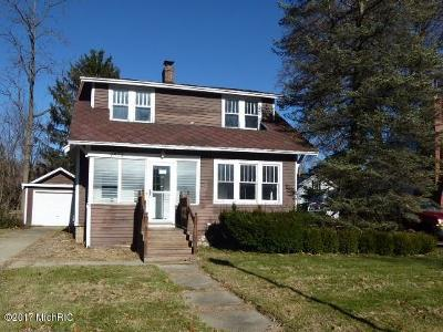 Niles Single Family Home For Sale: 1529 Oak Street