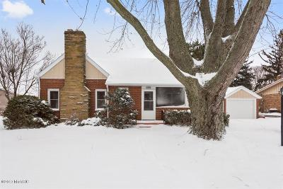 St. Joseph Single Family Home For Sale: 209 Vail Court