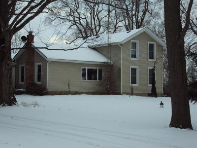 Hillsdale MI Single Family Home Active Contingent: $104,900