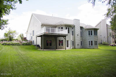 Single Family Home For Sale: 8101 Parkwest Drive