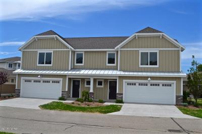 Grand Haven, Spring Lake Condo/Townhouse For Sale: 920 W Savidge Street #12