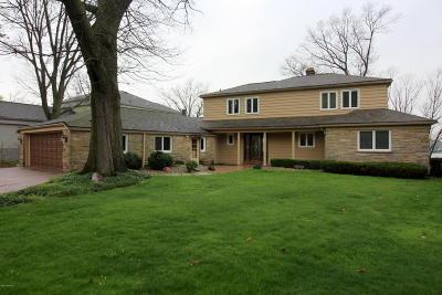 Single Family Home For Sale: 16 Hiawatha Drive
