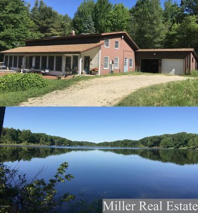 Delton Single Family Home For Sale: 4250 Cloverdale Road