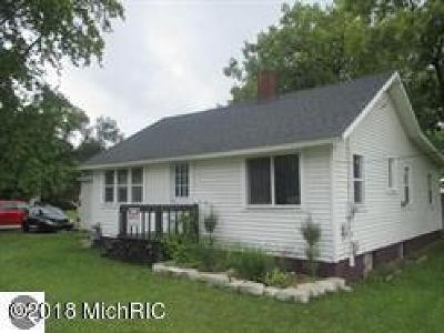 Mecosta County Single Family Home For Sale: 212 S Third Avenue