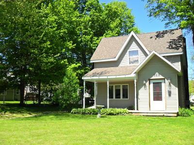 Niles Single Family Home For Sale: 709 Grant Street