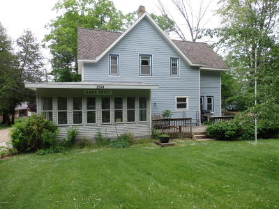 Manistee County Single Family Home For Sale: 2924 Crescent Beach