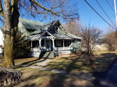Reading Single Family Home For Sale: 106 Cherry